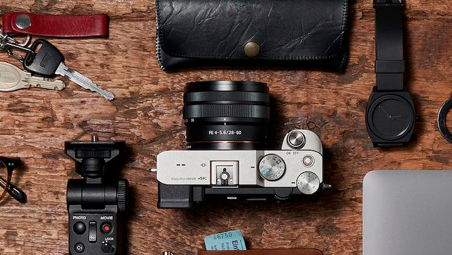 全球最輕巧便捷的1 全片幅相容變焦鏡頭。